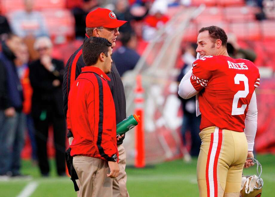 Kicker David Akers (2) talks with coaches before the San Francisco 49ers game against the Chicago Bears at Candlestick Park in San Francisco, Calif., on Sunday November 19, 2012. Photo: Carlos Avila Gonzalez, The Chronicle / ONLINE_YES