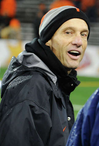 Oregon State coach Mike Riley. Oregon State (8-2, 6-2 Pac-12) is coming off a victory over Cal. Oregon State plays rival Oregon on Saturday. Photo: Greg Wahl-Stephens, Wires / FR29287 AP