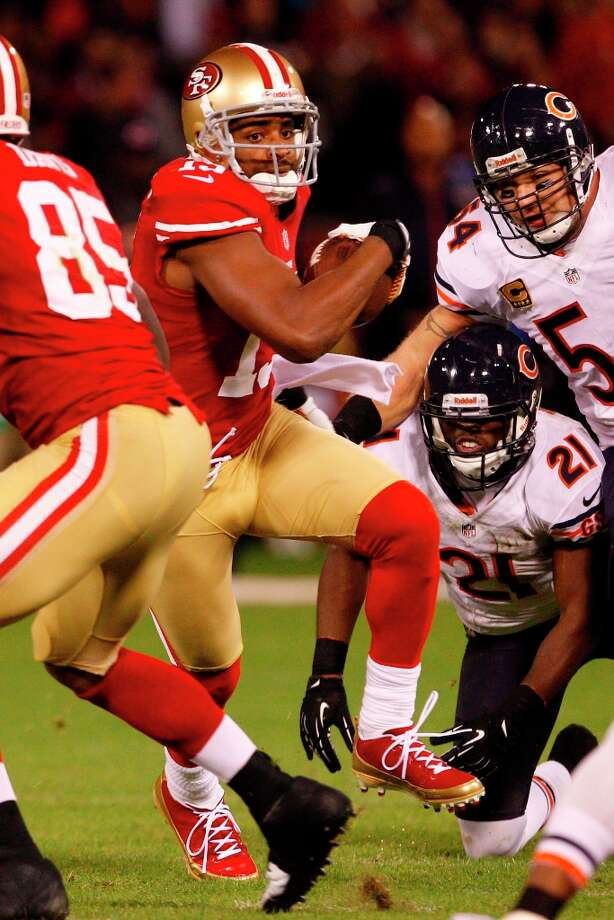 Wide receiver Michael Crabtree (15) during the first half of the San Francisco 49ers game against the Chicago Bears at Candlestick Park in San Francisco, Calif., on Monday November 19, 2012. Photo: Carlos Avila Gonzalez, The Chronicle / ONLINE_YES