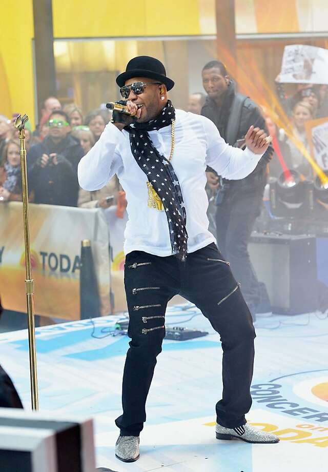 "Flo Rida performs on NBC's ""Today"" at Rockefeller Plaza on November 19, 2012 in New York City. Photo: Slaven Vlasic, Getty Images"