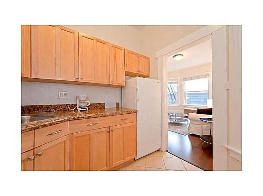 You'll find this 350-square-foot furnished apartment in a pretty building in Lower Nob Hill. The price tag: $2,000 per month. (Zillow)