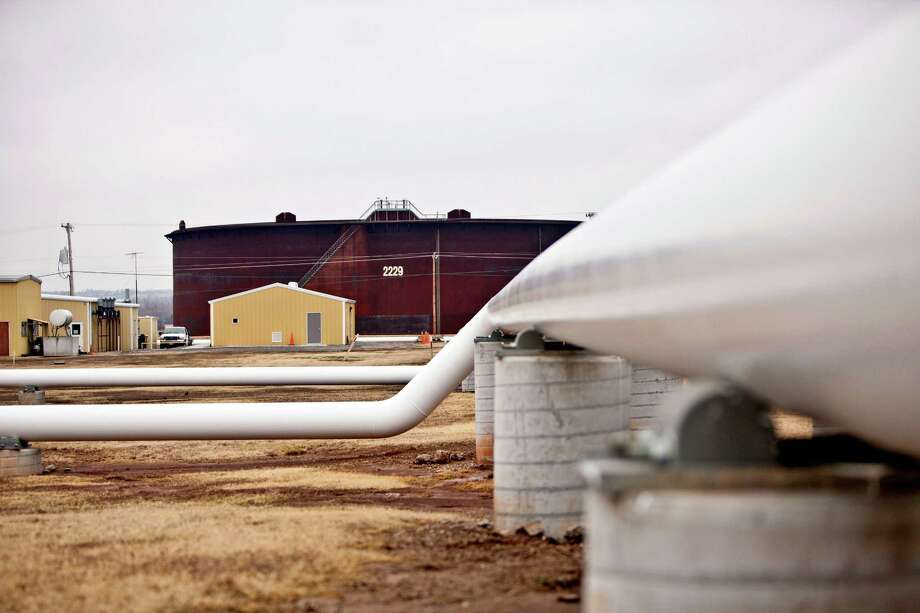 Oil pipelines stretch across the grounds of Enbridge's Cushing Terminal in central Oklahoma. Photo: Shane Bevel, 811408 / © 2011 Bloomberg Finance LP