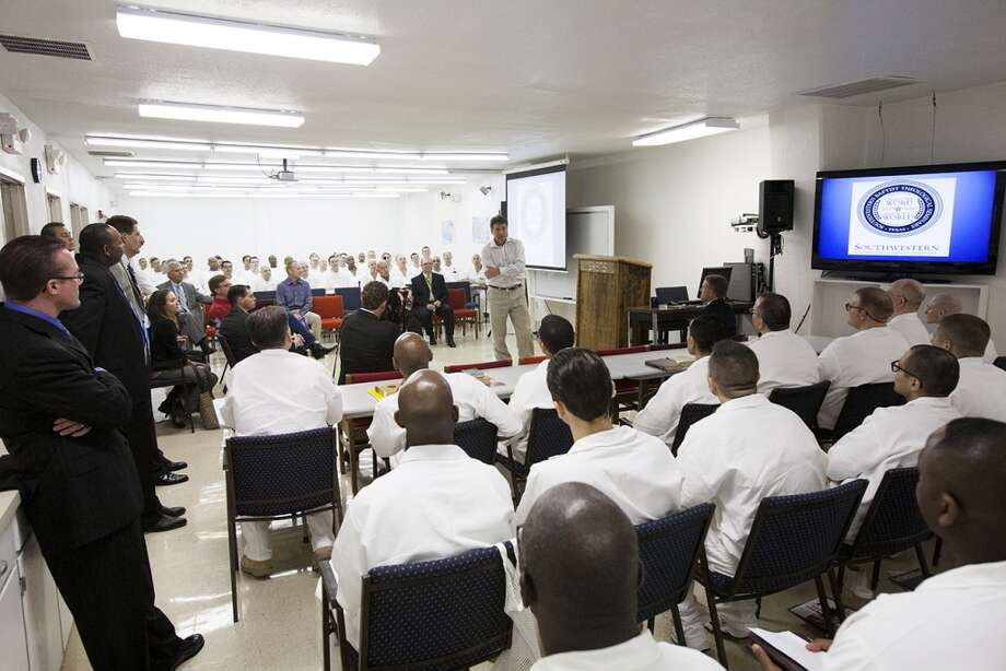 Gov. Rick Perry visits prison seminarians at the program's opening in 2011 (Photo: Grove Norwood)