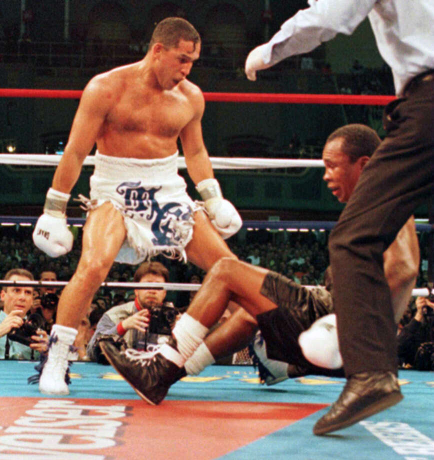 Hector Camacho ended the career of Sugar Ray Leonard with this knockout in 1997. Photo: Charles Rex Arbogast/AP