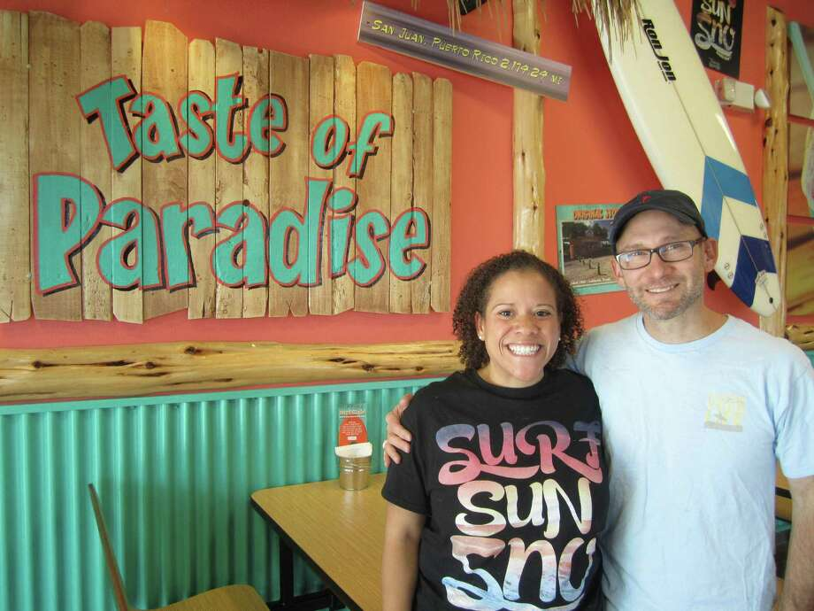 Trudy and Toby Leal have opened S.A.'s first Bahama Buck's. Photo: Jessica Elizarraras, San Antonio Express-News
