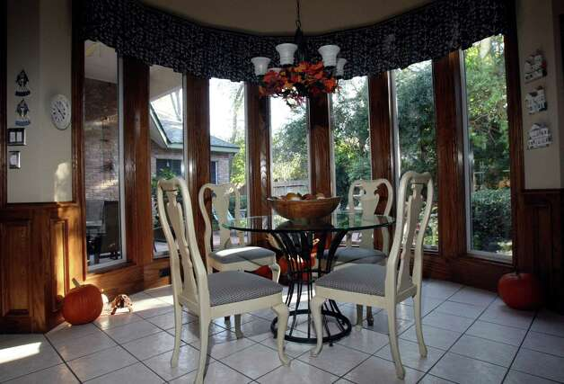 Bill and Pam Hockersmith's kitchen, photographed Monday Nov. 12, 2012. Photo: Helen L. Montoya, San Antonio Express-News / ©SAN ANTONIO EXPRESS-NEWS