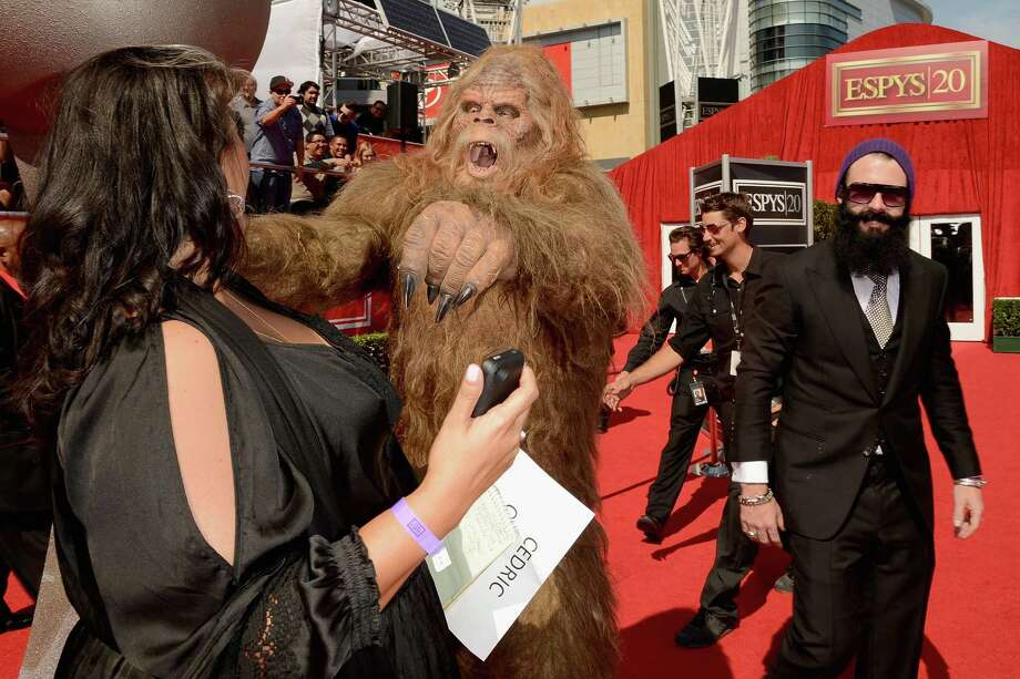 "Even San Francisco Giants pitcher Brian Wilson isn't safe from the bigfoot from the ""Messin' with Sasquatch"" Jack Links commercials. Photo: Jason Merritt, Getty Images / 2012 Getty Images"