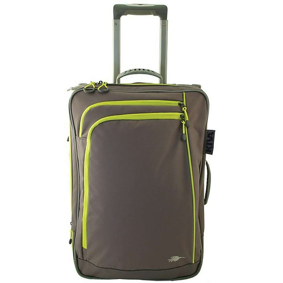 Packing Genius 21-inch Upright Light luggage Photo: Kiva Designs, SFC
