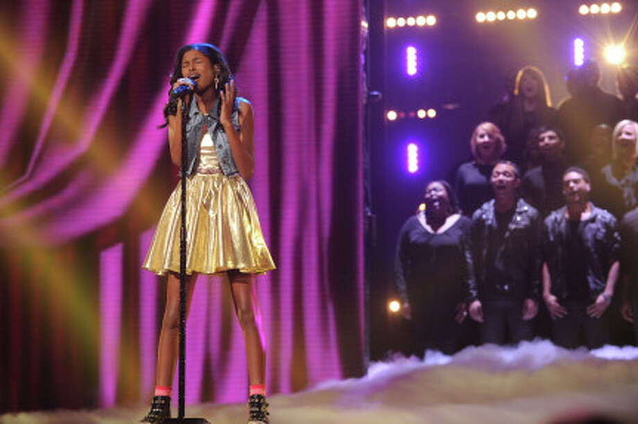 THE X FACTOR: Top 10 Perform: Diamond White performs live on THE X FACTOR Wednesday, Nov. 21 (8:00-10:00 PM ET/PT) on FOX. CR: Ray Mickshaw / FOX (                                                      )