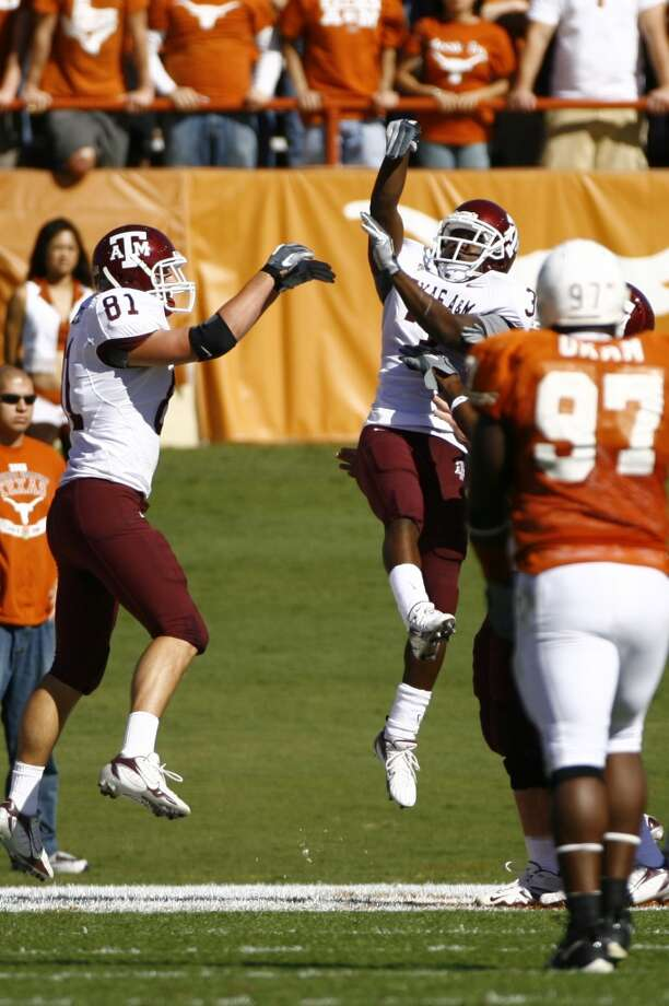 2006Texas A&M 12, Texas 7Mike Goodson, right, and the Aggies upset the Longhorns to snap a six-game losing streak in the rivalry. (Nick de la Torre / Chronicle)