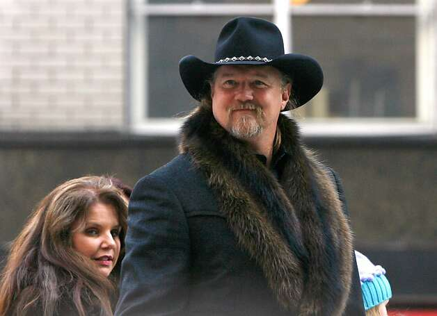 Musician Trace Adkins attends the 86th Annual Macy's Thanksgiving Day Parade on November 22, 2012 in New York City. Photo: Mike Lawrie, Getty Images