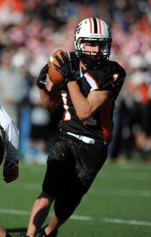 Shelton's Michael Pingree catches a pass during the Thanksgiving Day football game against Derby Thursday, Nov. 22, 2012 at Shelton High School. Photo: Autumn Driscoll / Connecticut Post