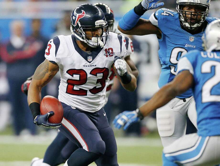 Arian Foster #23 of the Houston Texans look for running room while playing the Detroit Lions at Ford Field on November 22, 2012 in Detroit, Michigan. Photo: Gregory Shamus, Getty Images / 2012 Getty Images