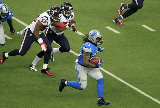 Detroit Lions running back Mikel Leshoure (25) runs during the first quarter of an NFL football game against the Houston Texans at Ford Field in Detroit, Thursday, Nov. 22, 2012. (AP Photo/Carlos Osorio) Photo: Carlos Osorio, Associated Press / AP