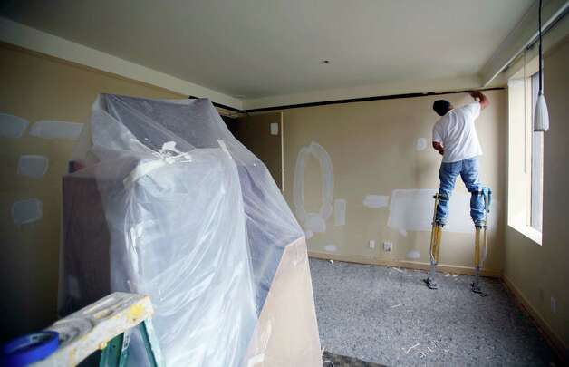A still-under-construction room is seen Thursday afternoon Nov. 15, 2012 at the Emily Morgan hotel. The hotel is under new management and is undergoing a more than $4 million renovation. The historic hotel will now be a Doubletree by Hilton. Rooms, common spaces and the restaurant will be updated. Photo: William Luther, San Antonio Express-News / © 2012 San Antonio Express-News