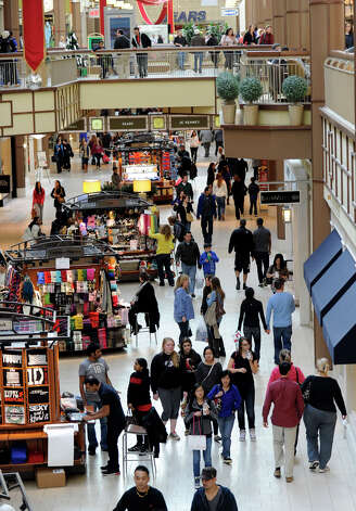 The Danbury Fair mall is crowded with Black Friday shoppers, Nov. 23, 2012. Photo: Carol Kaliff / The News-Times