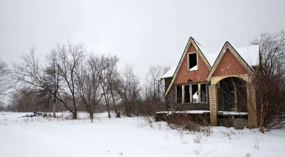 According to author Mark Binelli, so many residents of Detroit have left that the city now has almost as much vacant land as San Francisco has land. Photo: Carlos Osorio, STF / AP