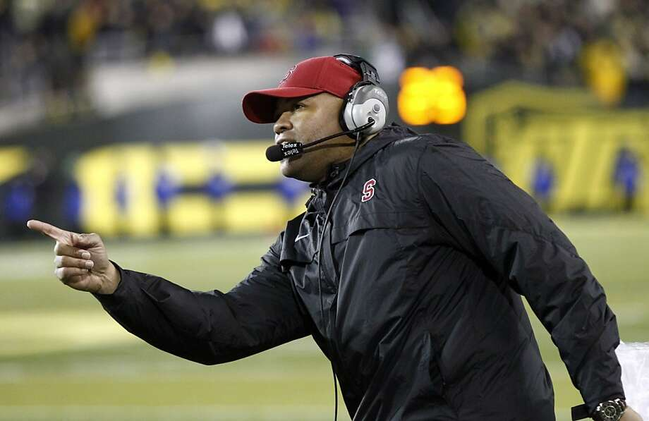 Without calling undue attention to himself, David Shaw coaches Stanford football in an exemplary manner, as he proved  last Saturday when the Cardinal upset No. 1 Oregon. Photo: Don Ryan, Associated Press