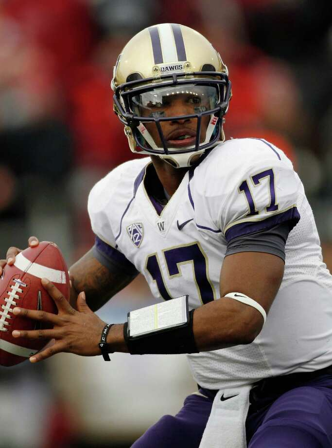 Quarterback Keith Price #17 of the Washington Huskies during the game against the Washington State Cougars. Photo: William Mancebo, Getty Images / 2012 Getty Images