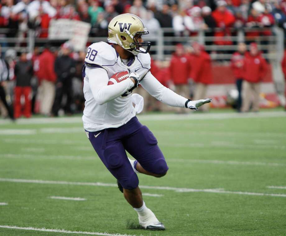 Tight end Austin-Seferian Jenkins #88 of the Washington Huskies carries the ball during the game against the Washington State Cougars. Photo: William Mancebo, Getty Images / 2012 William Mancebo
