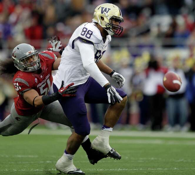 Washington's Austin Seferian-Jenkins (88) fails to catch a pass as Washington State's Justin Sagote