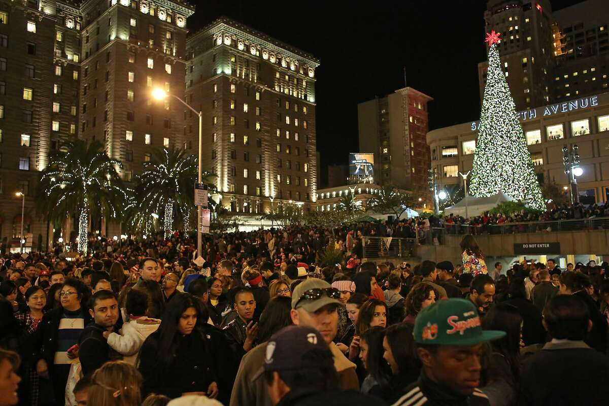 Nov. 23: San Francisco Tree Lightings Three tree lightings take place around San Francisco on Black Friday 2018. There's the Macy's sponsored event at Union Square, another at Ghirardelli Squareand one more at Pier 39.
