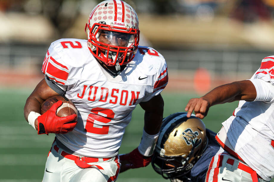 Judson's Jarveon Williams carries the ball during the fourth quarter of their Class 5A Division II second round playoff game with O'Connor at Comalander Stadium on Nov. 24, 2012. O'Connor won the game 34-28.  MARVIN PFEIFFER/ mpfeiffer@express-news.net Photo: MARVIN PFEIFFER, Express-News / Express-News 2012