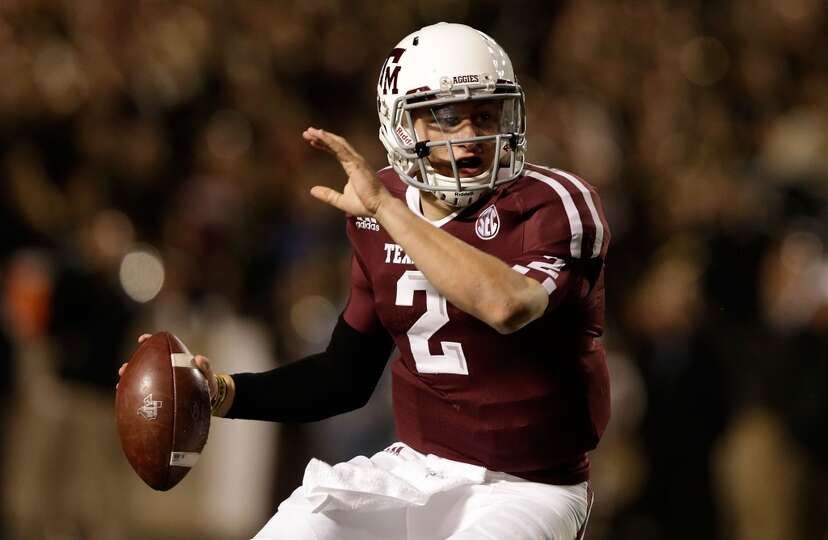 Johnny Manziel #2 of the Texas A&M Aggies looks to pass during their game against the Missouri Tiger