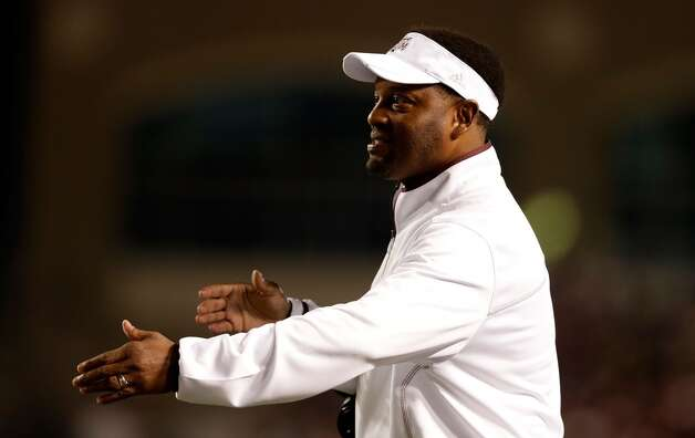 Texas A&M Aggies head coach Kevin Sumlin celebrates a touchdown during their game against the Missouri Tigers at Kyle Field on November 24, 2012 in College Station, Texas.  (Scott Halleran / Getty Images)