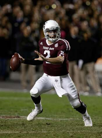 COLLEGE STATION, TX - NOVEMBER 24:  Johnny Manziel #2 of the Texas A&M Aggies looks to pass during their game against the Missouri Tigers at Kyle Field on November 24, 2012 in College Station, Texas.  (Photo by Scott Halleran/Getty Images) (Getty Images)