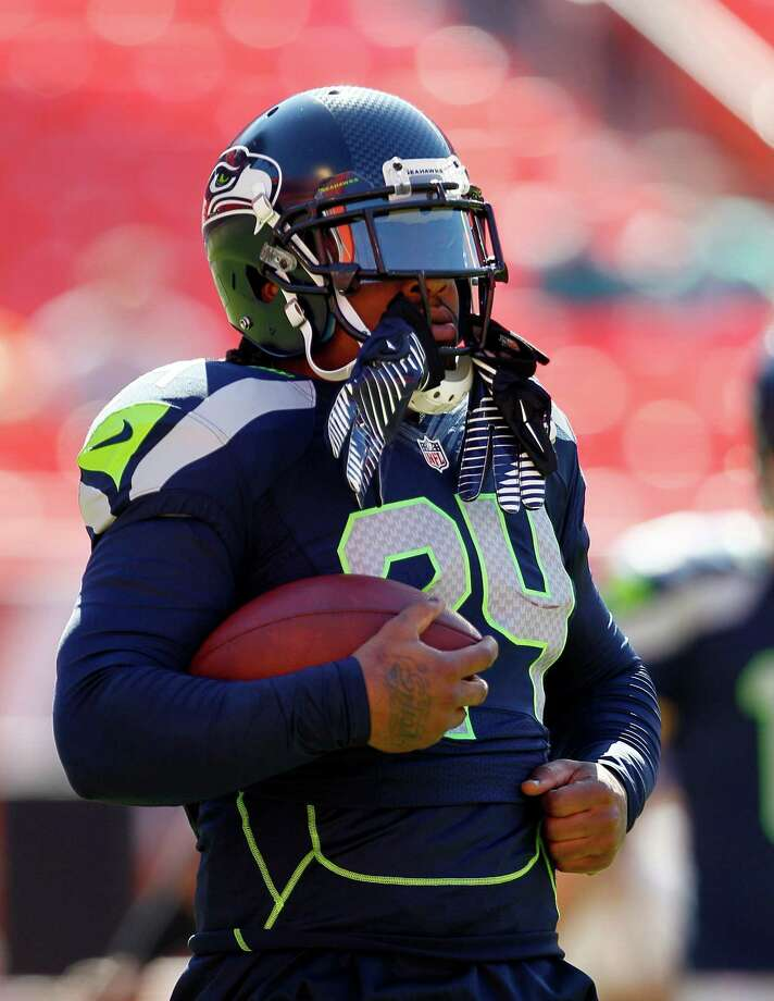 Seattle Seahawks running back Marshawn Lynch warms up before an NFL football game against the Miami Dolphins, Sunday, Nov. 25, 2012 in Miami. Photo: AP