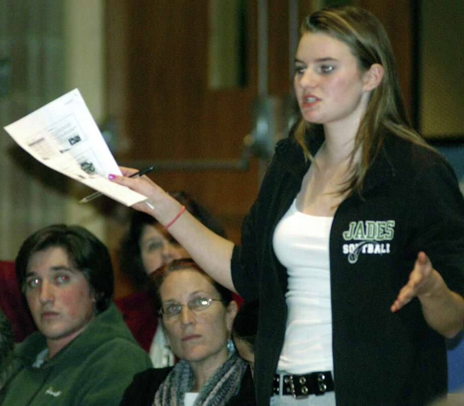 Shepaug Valley High sopphomore Kelsey Johnson speaks on behalf of the value of block scheduling during a forum held Nov. 14, 2012 at Shepaug Valley Middle/High School in Washington. Photo: Norm Cummings