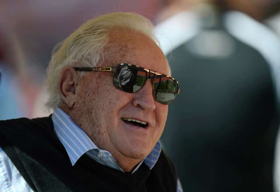 Miami Dolphins former head coach Don Shula looks on from the sidelines during warmups before the start of an NFL football game between the Miami Dolphins and the Seattle Seahawks, Sunday, Nov. 25, 2012 in Miami. Photo: AP