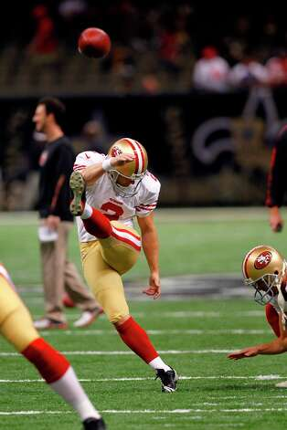 San Francisco 49ers kicker David Akers (2) warms up before an NFL football game against the New Orleans Saints at the Louisiana Superdome in New Orleans, Sunday, Nov. 25, 2012. Photo: Gerald Herbert, Associated Press / AP
