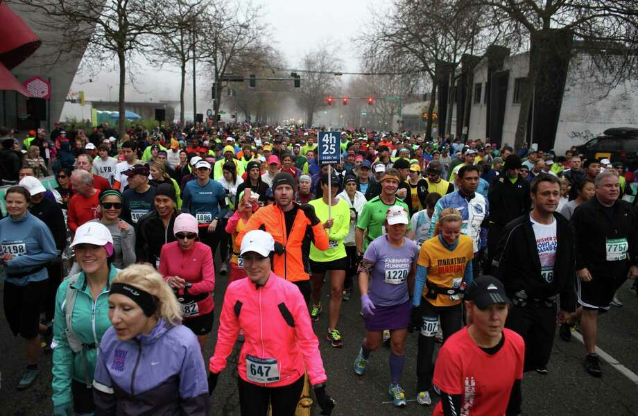 Runners gather at the start line. Photo: JOSHUA TRUJILLO / SEATTLEPI.COM
