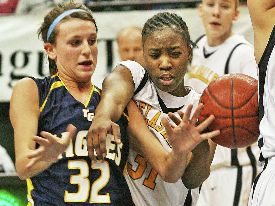 Sasha McHale, left, played basketball for Totino-Grace High School in Fridley, Minn., in 2008. Photo: Marlin  Levison, Staff Photographer / 00002056B