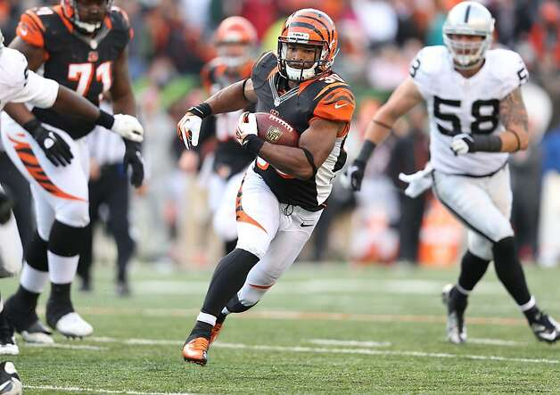 CINCINNATI, OH - NOVEMBER 25:  Cedric Peerman #30 of the Cincinnati Bengals runs with the ball during the NFL game against the Oakland Raiders at Paul Brown Stadium on November 25, 2012 in Cincinnati, Ohio.  (Photo by Andy Lyons/Getty Images) Photo: Andy Lyons, Getty Images