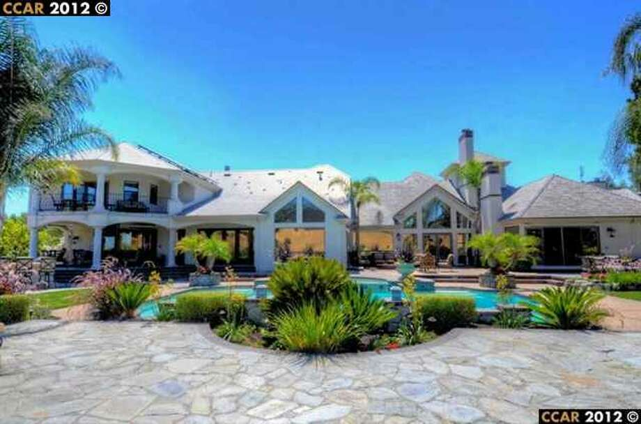 Former Cal football head coach Jeff Tedford's Blackhawk home is listed for $5.35 million