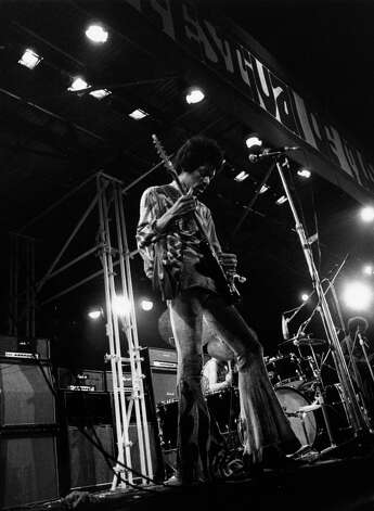 Jimi Hendrix in concert at the Isle of Wight Festival, his final UK performance. Photo: Evening Standard, Getty / Hulton Archive