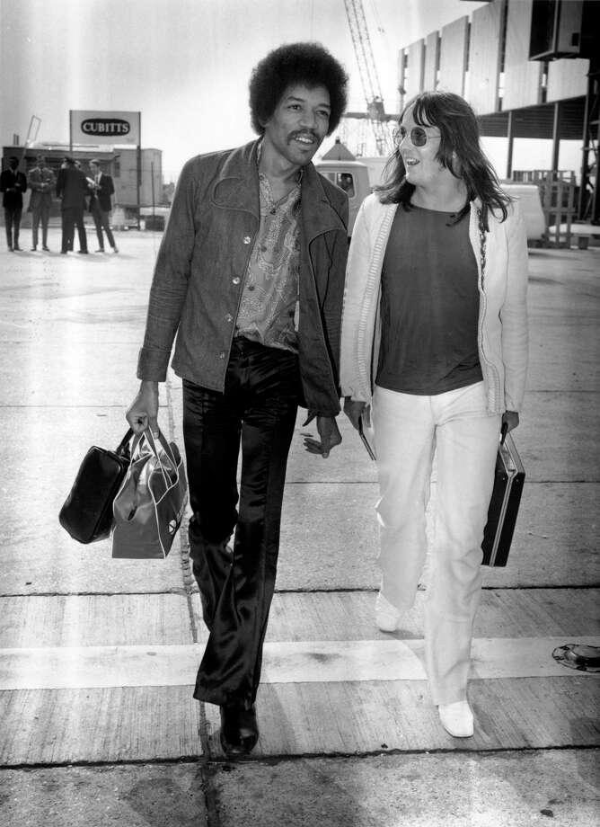 Influential rock guitarist Jimi Hendrix arriving at London Airport with Eric Barrett on Sept. 2, 1970. Photo: Evening Standard, Getty / Hulton Archive