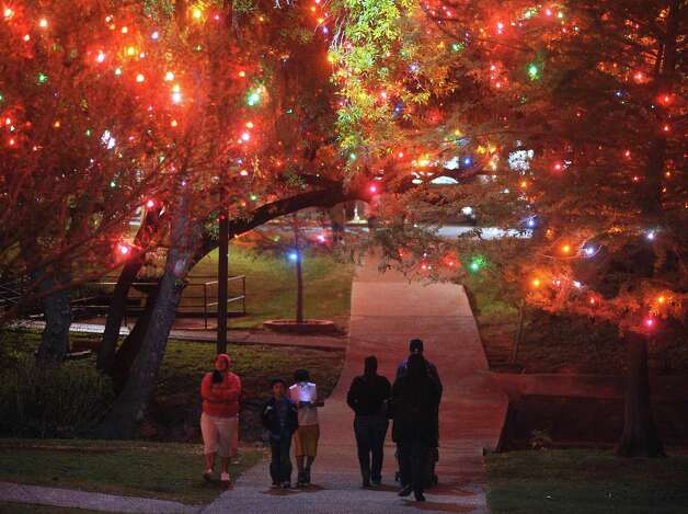 "The ""Light the Way"" Christmas lights on the campus of the University of the Incarnate Word were lit on November 17 and will shine through January 6, 2013. Photo: Billy Calzada, San Antonio Express-News / SAN ANTONIO EXPRESS-NEWS"