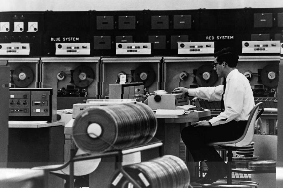 An operator uses London Airport's operations computer 'Boadicea' (British Overseas Airways Digital Information Computer for Electronic Automation) on September 25, 1968. Photo: Fox Photos, Getty Images / Hulton Archive