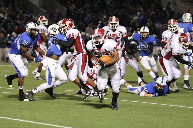 Terrance Cuney breaks free for a second-half touchdown run. Photo: Jason Dunn