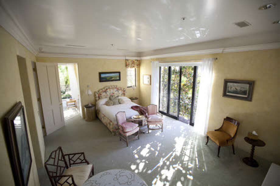 A nice guest bedroom. (Prudential California Realty)