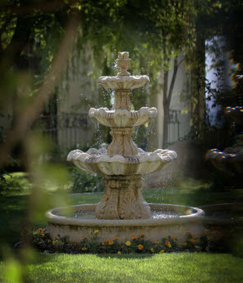A fountain. (Prudential California Realty)