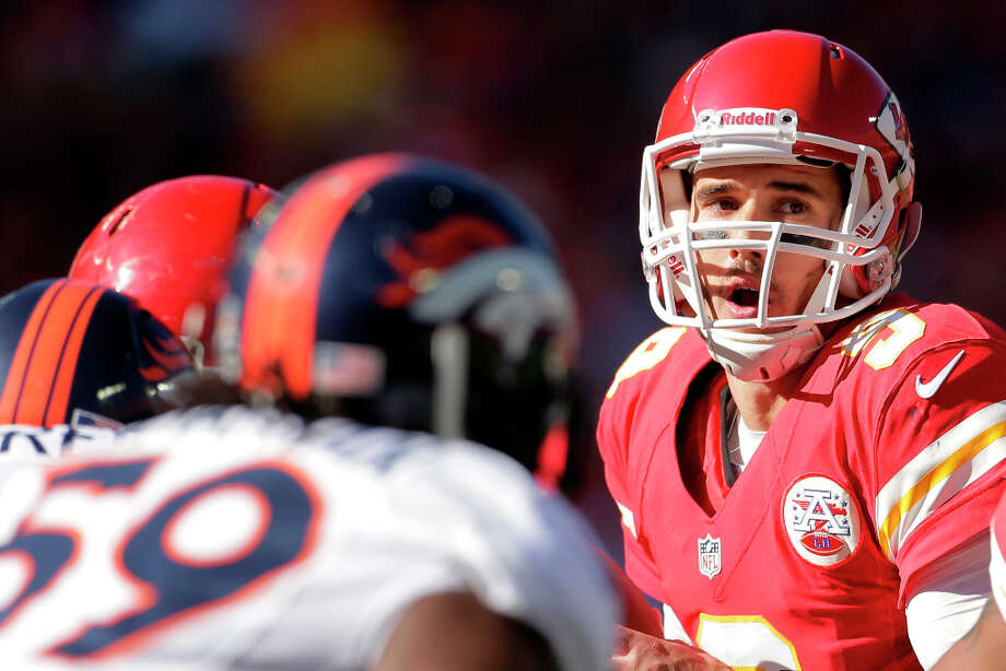 Kansas City Chiefs quarterback Brady Quinn looks for a receiver during the first half an NFL football game against the Denver Broncos Sunday, Nov. 25, 2012, in Kansas City, Mo. (AP Photo/Charlie Riedel) Photo: Charlie Riedel, ASSOCIATED PRESS / AP2012