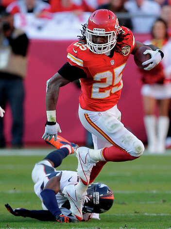 Kansas City Chiefs running back Jamaal Charles runs  during the second half of an NFL football game against the Denver Broncos Sunday, Nov. 25, 2012, in Kansas City, Mo. The Broncos won the game 17-9. (AP Photo/Charlie Riedel) Photo: Charlie Riedel, ASSOCIATED PRESS / AP2012