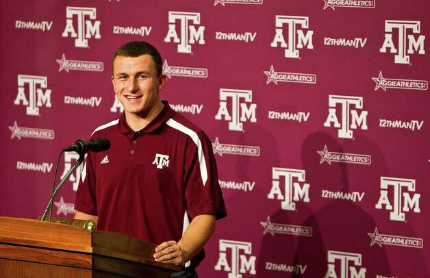 Johnny Manziel meets face-to-face with the media for the first time as the Aggies' quarterback Tuesday in College Station. Photo: Nick De La Torre, Houston Chronicle / © 2012  Houston Chronicle