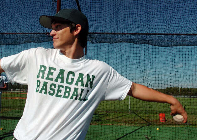 Reagan pitcher Anthony Vazquez poses Feb. 15, 2005, at the school practice field. Photo: Bahram Mark Sobhani, San Antonio Express-News / SAN ANTONIO EXPRESS-NEWS