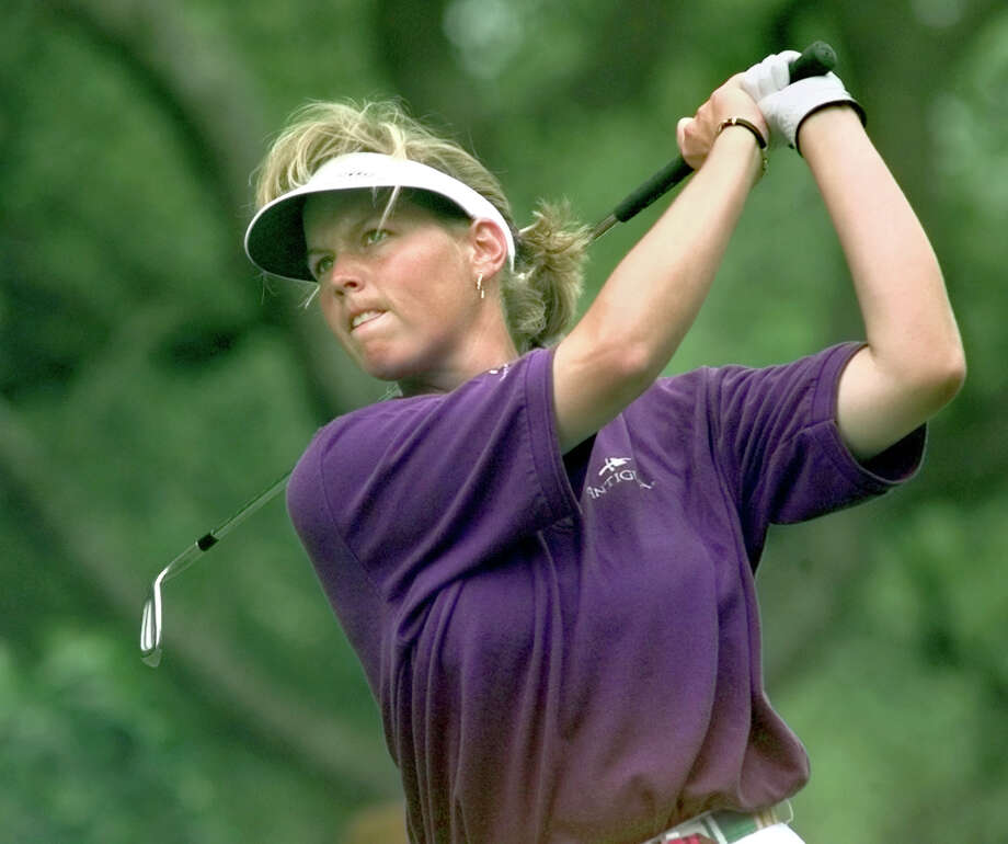 Wendy Ward studies her tee shot at the par three No. 17 at Onion Creek Coutry Club in Austin where she was competing in the Phillips Invitational event on the LPGA Tour, May 21, 1999. Photo: Tom Reel, San Antonio Express-News / SAN ANTONIO EXPRESS-NEWS